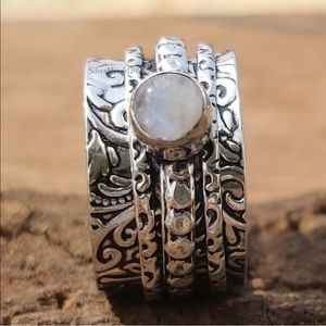 Moonstone 925 Sterling Silver Ring size 7 J32